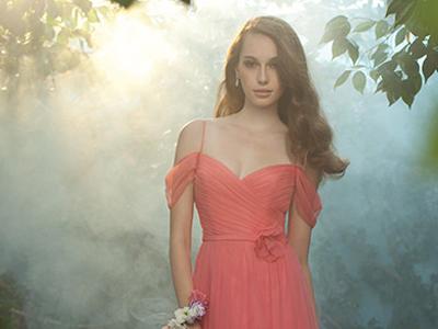 Durf op te vallen: kies voor een gekleurde trouwjurk!
