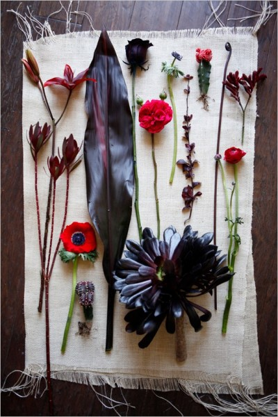 redandblackweddingflowers